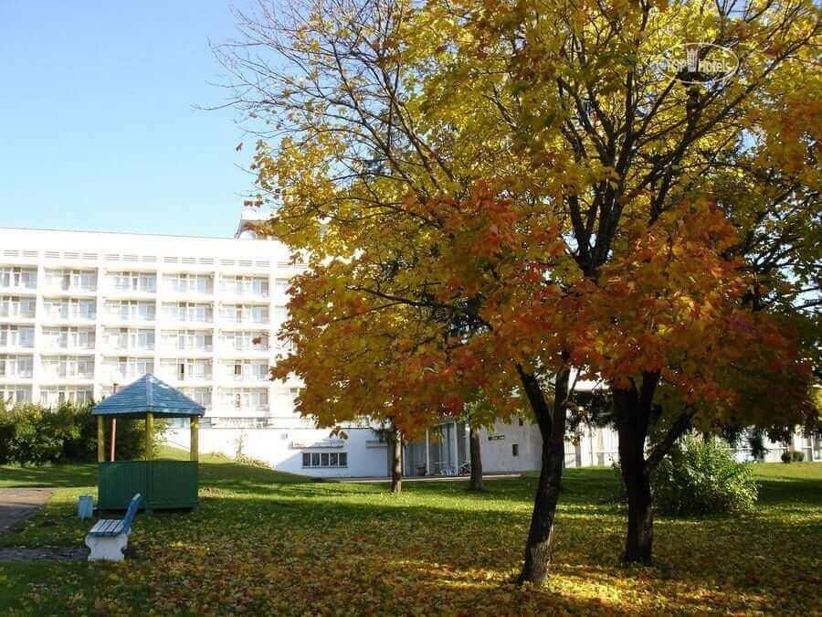 санаторий осенью