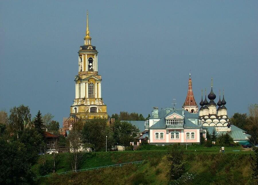 колокольня Ризоположенного монастыря