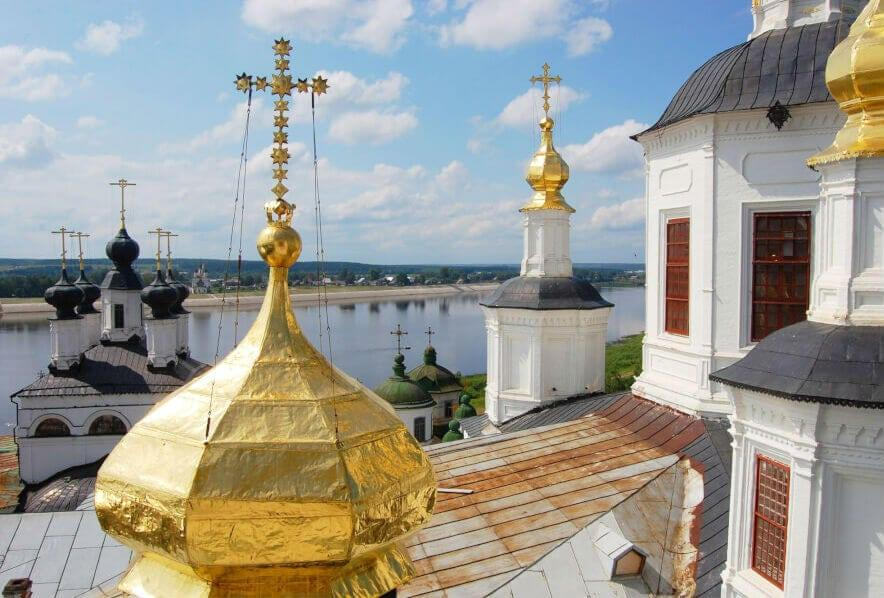купола храма в устюге