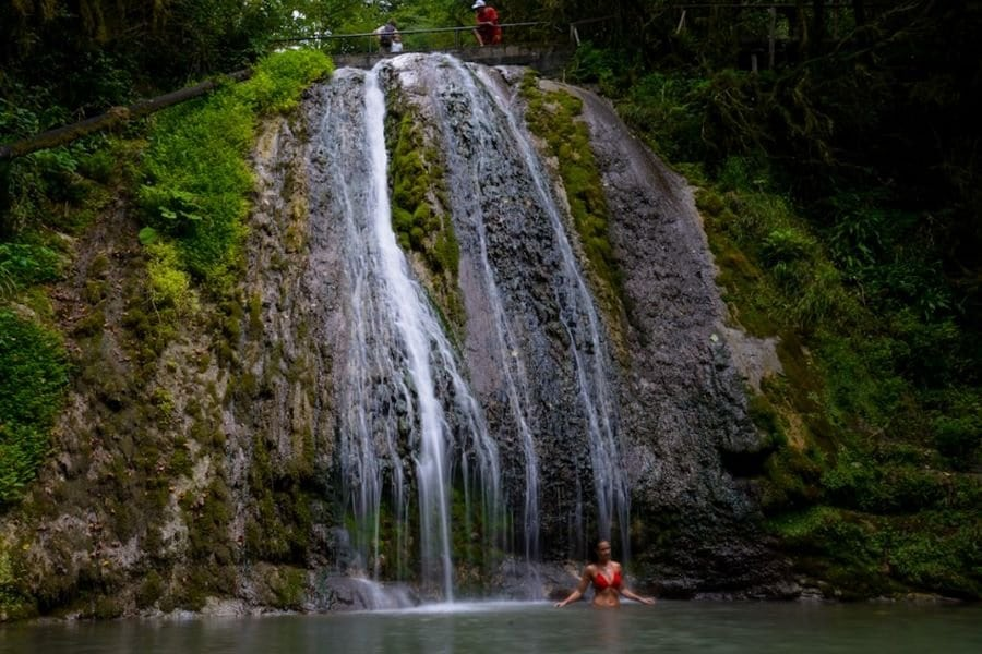 Долина 33 водопадов