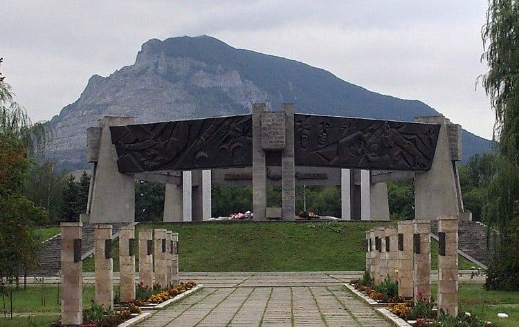 мемориальный комплекс защитникам отечества