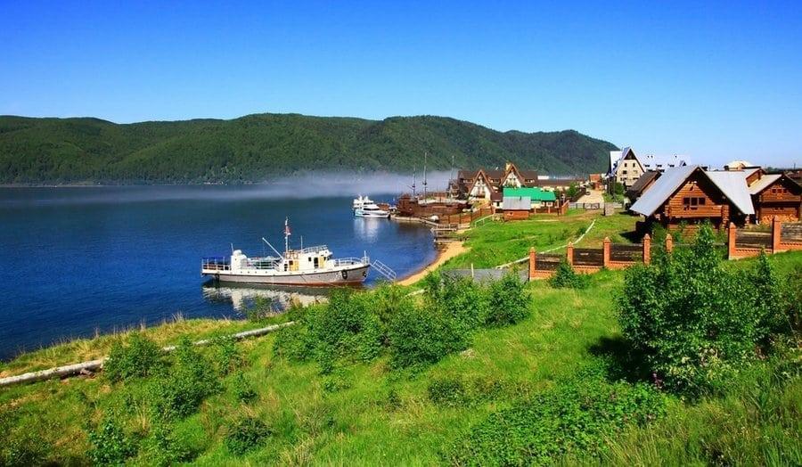 Деревня Листвянка