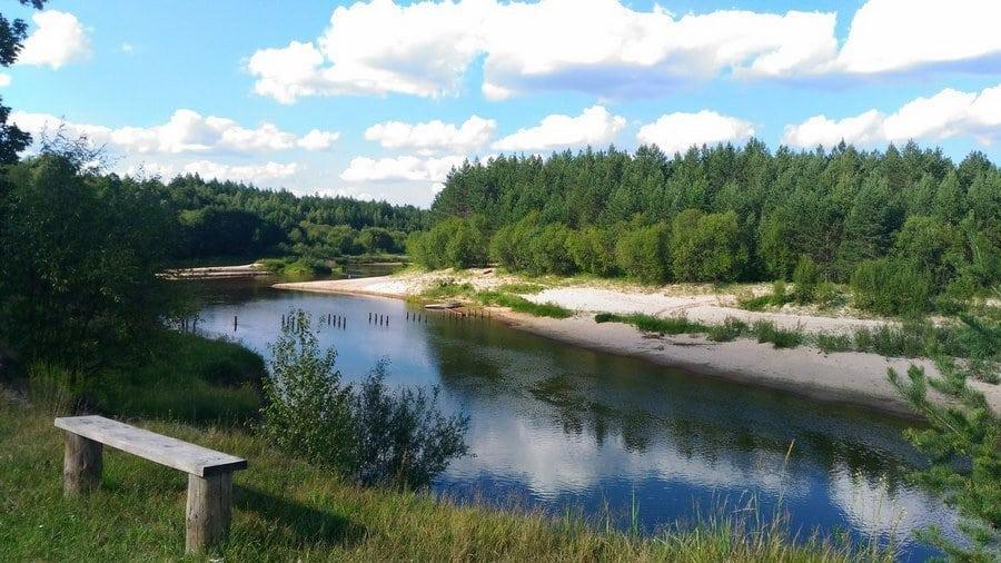 река неподолеку