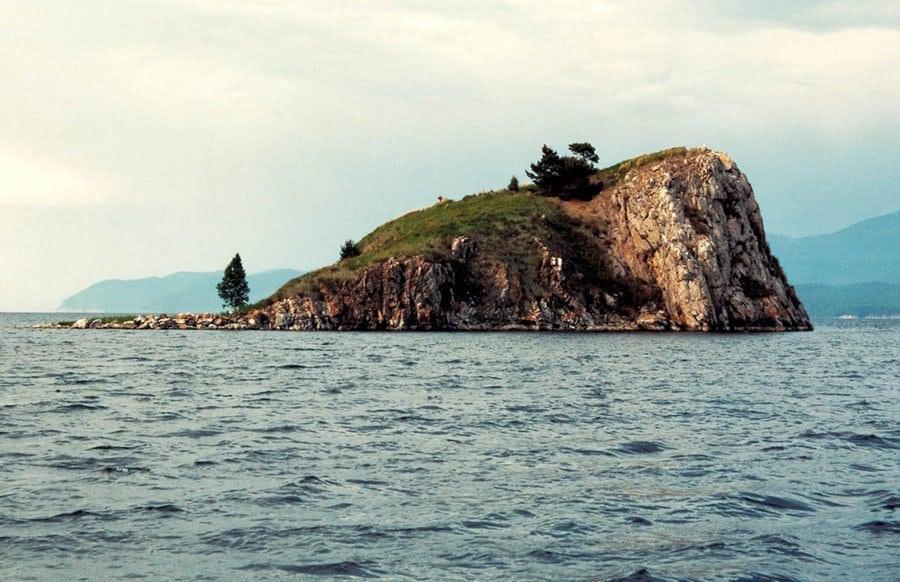 Озеро Байкал – чудо природы Сибири. Как добраться и что посмотреть