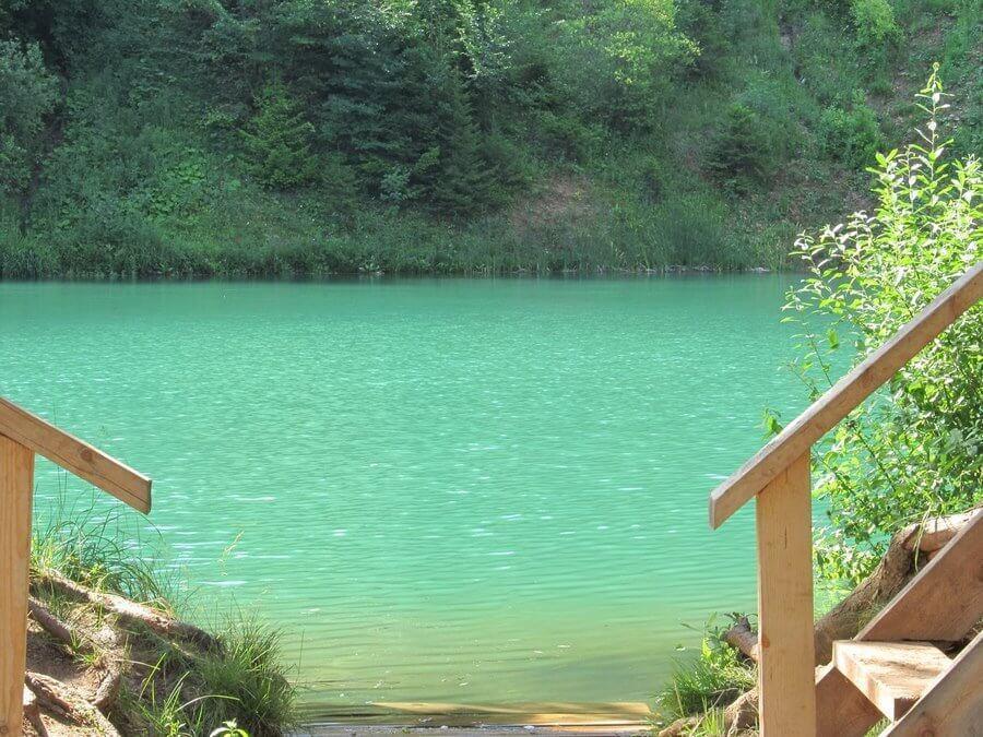 дероевянные листницы к озеру