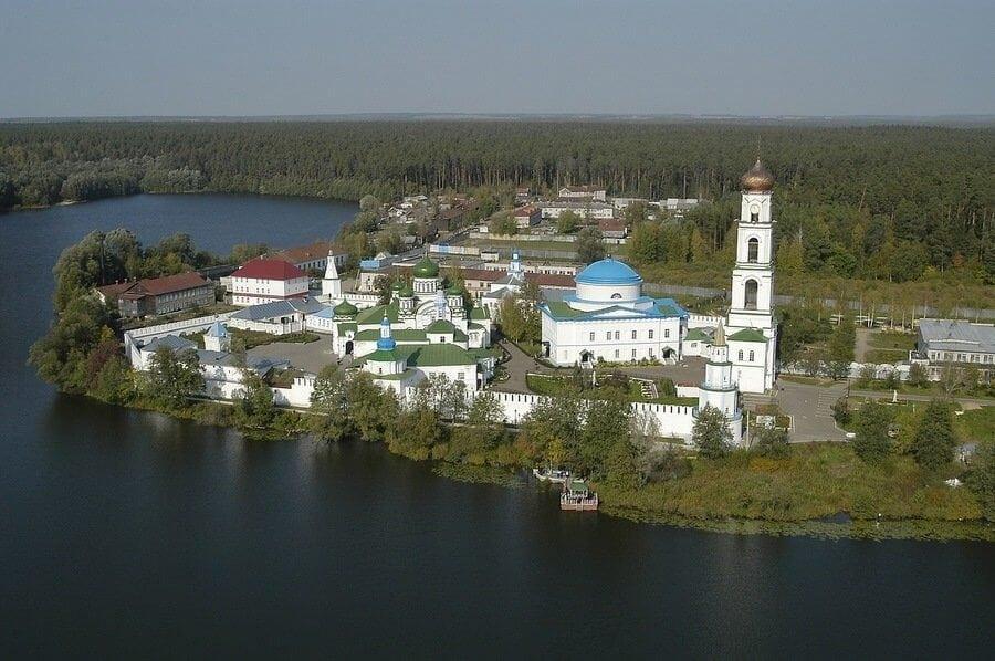 Раифский мужской монастырь в Казани