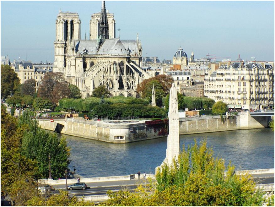 Франция - лазурный берег, шампанское и отличная кухня.