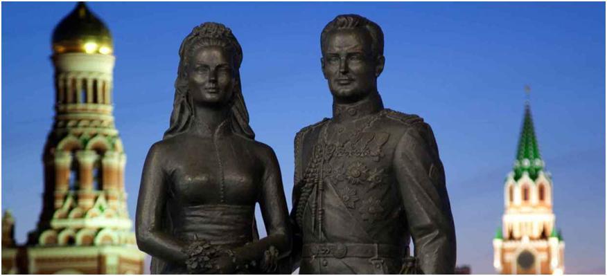 Памятник молодоженам Грейс Келли и принцу Монако