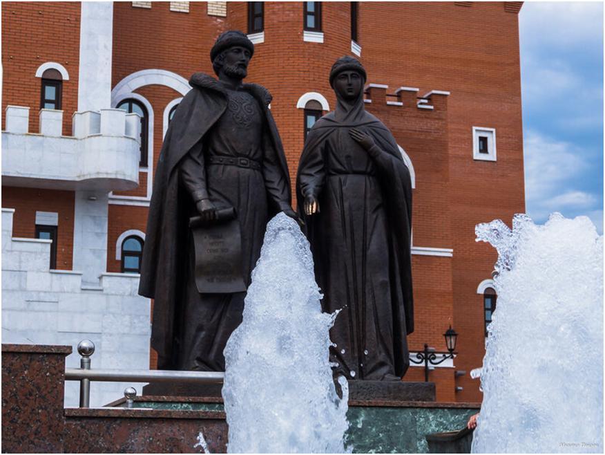 Скульптурная композиция Петру и Февронии